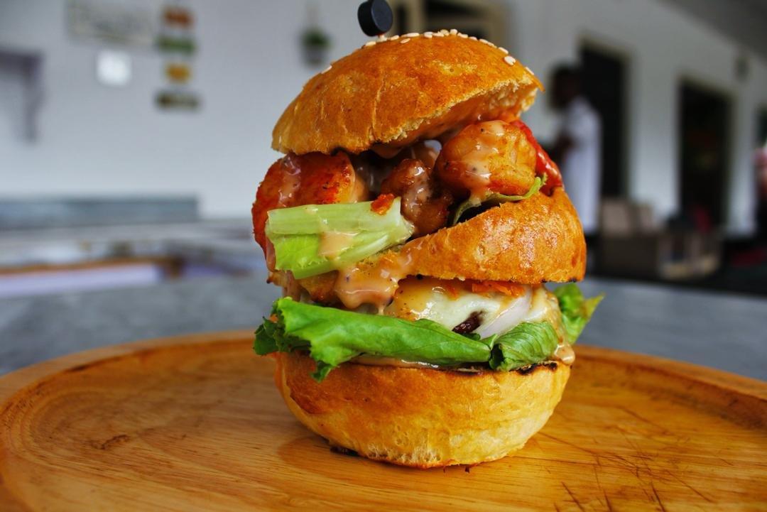 Cajun Prawn burger with chicken
