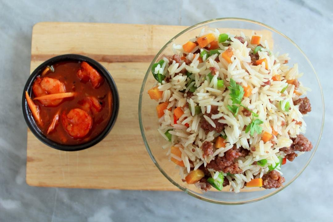 Beef fried rice with shrimp sauce